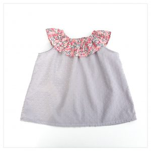 Top-blouse-en-plumetis-de-coton-gris-et-liberty-of-london-wiltshire-pois-de-senteur