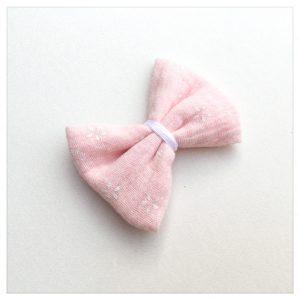 Barrette-à-noeud-gaze-de-coton-rose-motifs-fleurs-blanches