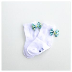 Chaussettes-en-liberty-of-london-colori-betsy-mint-and-lemon-retrochic-boutique