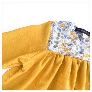 Blouse-en-plumetis-moutarde-et-liberty-wiltshire-moutarde-enfant-bébé-retrochic-boutique