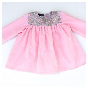 Blouse-en-plumetis-de-coton-rose-bonbon-et-liberty-michelle-rose-enfant-bébé-retrochic-boutique