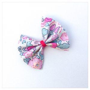 Barrettes-à-noeud-en-liberty-of-london-coloris-betsy-amélie-retrochic-boutique