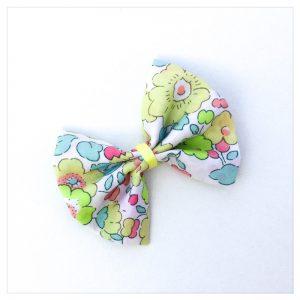 Barrettes-à-noeud-en-liberty-of-london-coloris-betsy-lime-retrochic-boutique