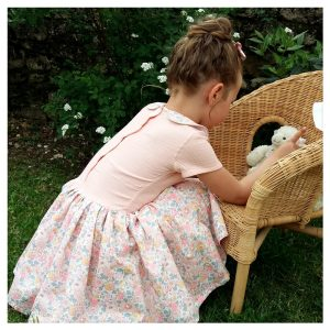 Adorable robe estivale en gaze de coton blush et liberty Betsy Barbapapa