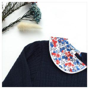 Blouse-en-plumetis-de-coton-marine-et-liberty-wiltshire-marianne-enfant-bébé-retrochic-boutique