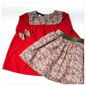 Blouse-en-plumetis-de-coton-rouge-et-liberty-wiltshire-bud-noisette-enfant-bébé-retrochic-boutique