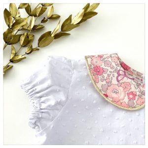 Blouse-en-plumetis-de-coton-blanc-et-liberty-betsy-butterfly-rose-enfant-bébé-retrochic-boutique