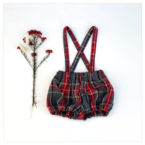 bloomer-shorty-en-lainage-tartan gris rouge à bretelles